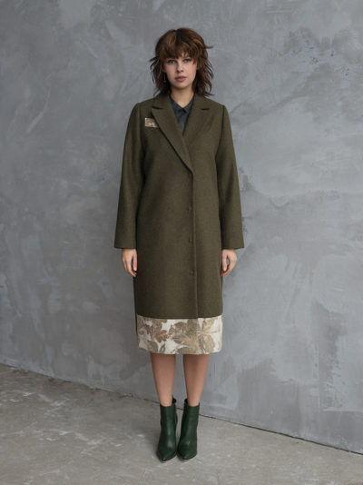 пальто с отделкой из шелка
