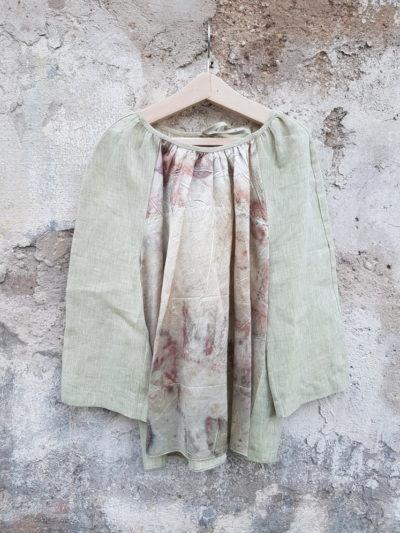блузка окрашена растениями как